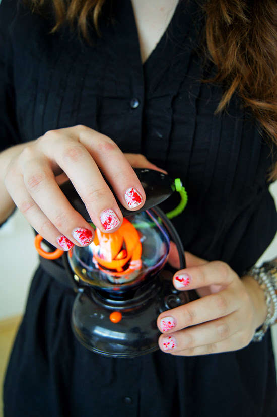 Halloween Bloody Nails DIY
