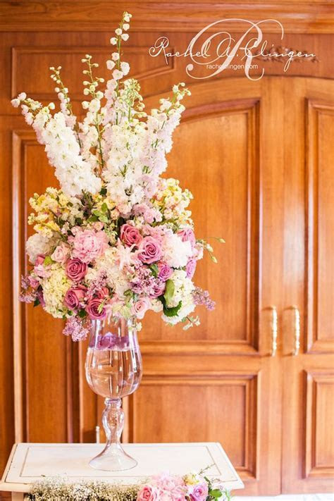 10 Steal Worthy Flower Arrangements For Your Wedding