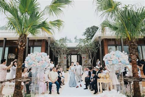 Pastel and Golds for a Traditional Outdoor Thailand