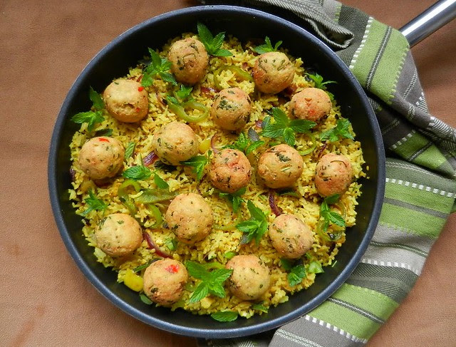 Tava Pulav with Tofu & Fish Koftas