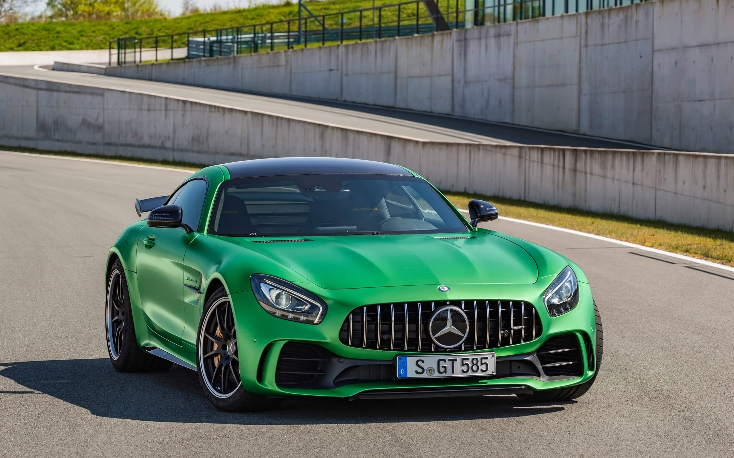 Mercedes AMG GT R 2017 wallpapers HD High Quality and ...