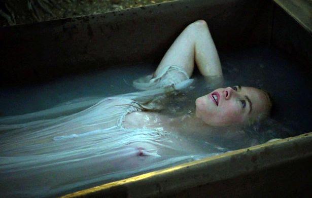 Nicole Kidman enjoys bath under the stars