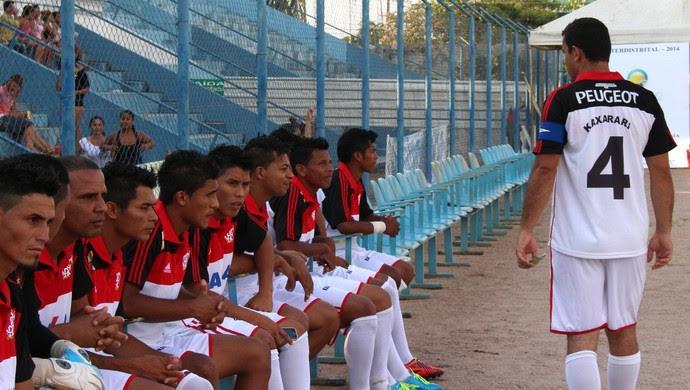 Time de futebol Kaxarari (Foto: Daniele Lira)