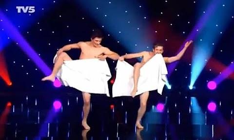 Naked Towel Dance - Hot 12 Pics | Beautiful, Sexiest
