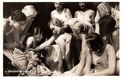 Karin Hardt in Acht Mädels im Boot
