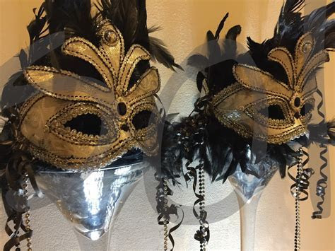 """""""Masquerade"""" Table Decoration   Hire   So Lets Party"""