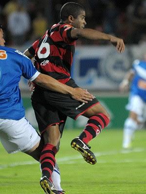 Diego Renan Cruzeiro Junior Cesar Flamengo (Foto: Ag. Estado)