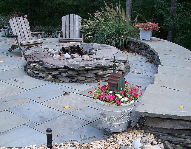 Ideas for fire pits in the backyard