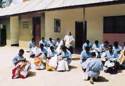 La scuola di economia domestica presso la missione di Manyoni in Tanzania