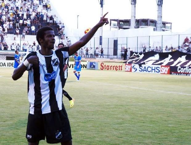 ABC x Avaí, no Estádio Frasqueirão, em Natal (Foto: Augusto Gomes)