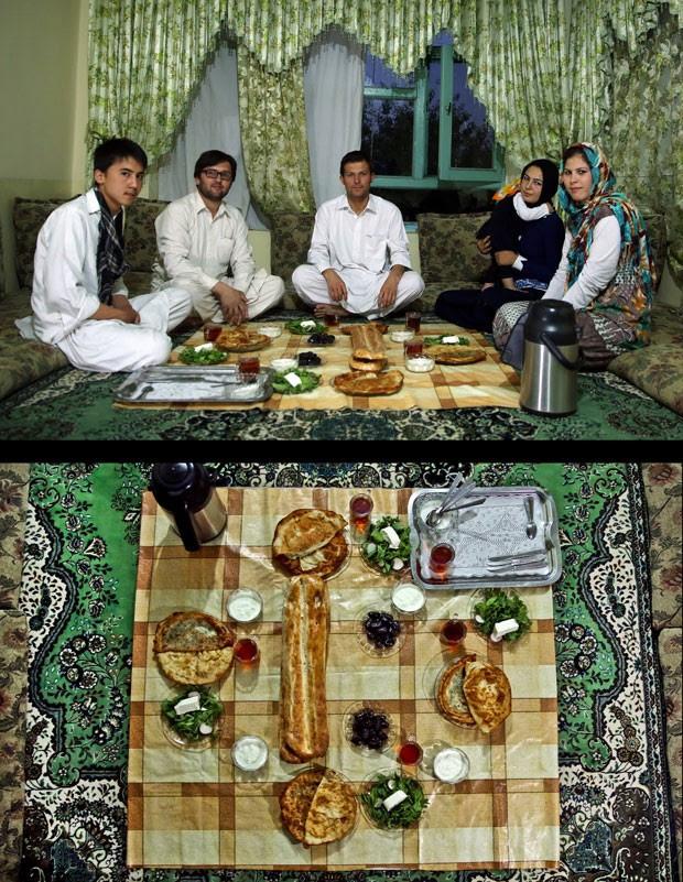 Família afegã celebra o Iftar na cidade de Cabul (Foto: Massoud Hossaini/AP)