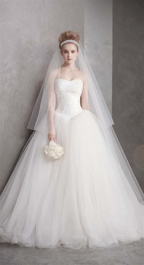 The beautiful Vera Wang wedding dress ? AcetShirt