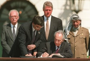 signing Oslo Accords 1993