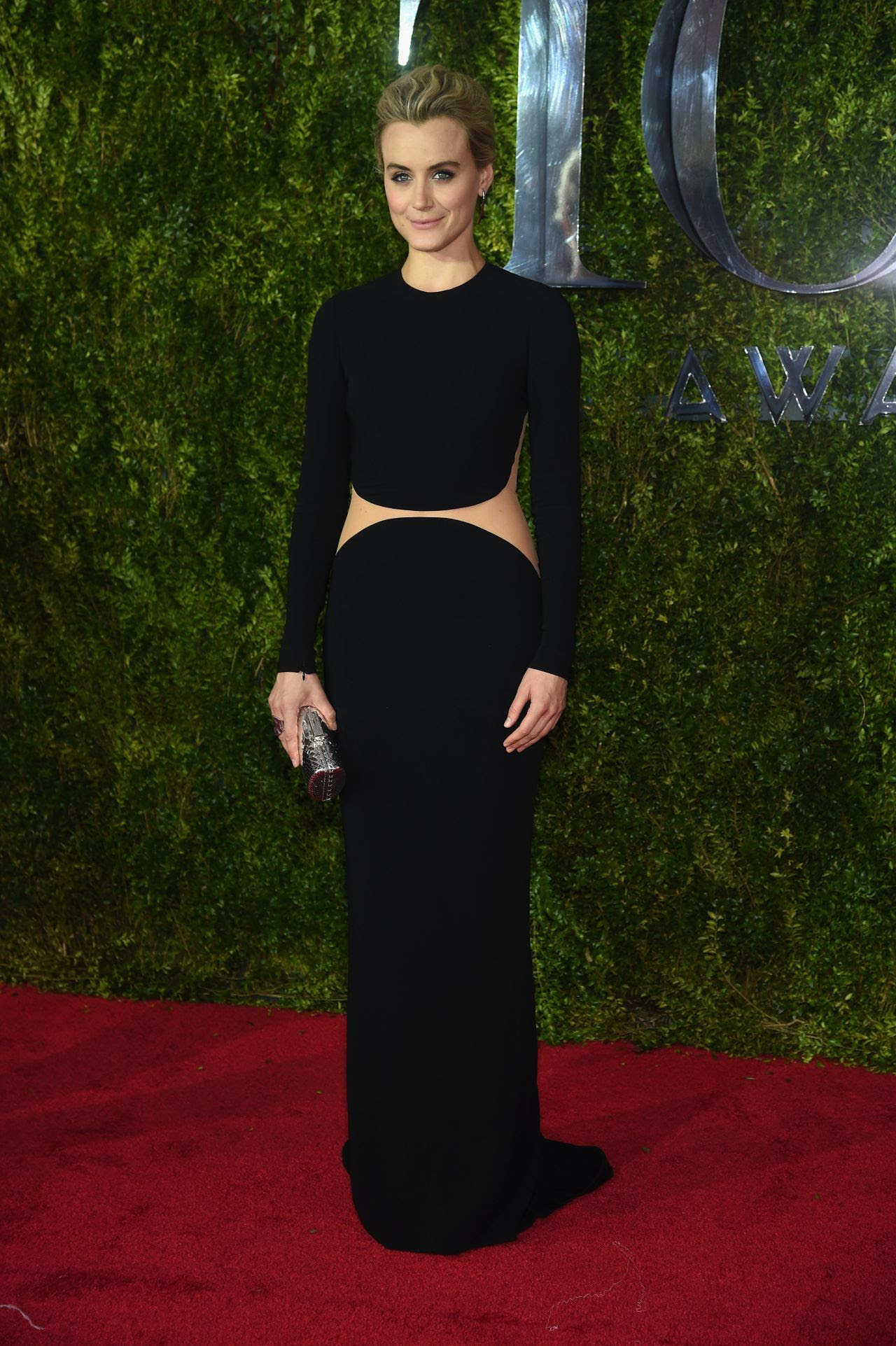 http://fashionsizzle.com/wp-content/uploads/2015/06/taylor-schilling-2015-tony-awards-in-new-york-city_3.jpg