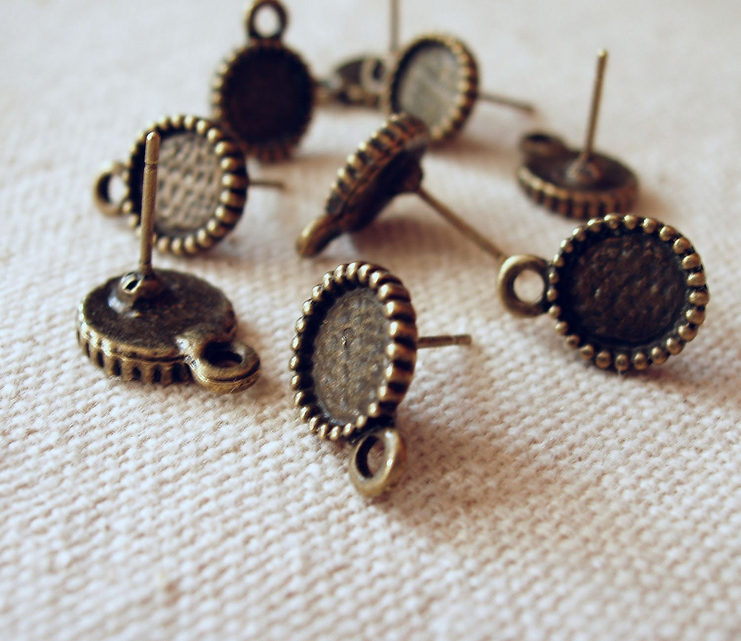 20pcs (10pairs) Antiqued Bronze  Color Plated Earring Posts With 8mm Cameo Settings 05798 - buyimeiren2010