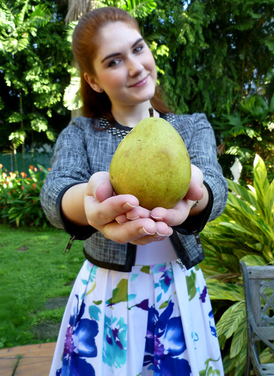 08 Aug 01 - Pear Shaped (1)