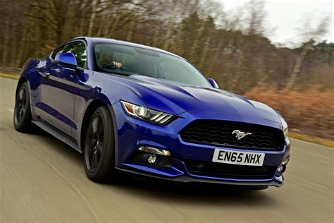 ford mustang  ecoboost  review pictures auto