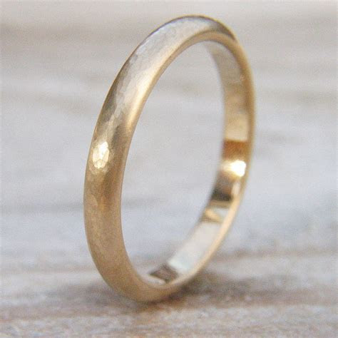 3mm hammered wedding ring in 18ct gold or platinum by