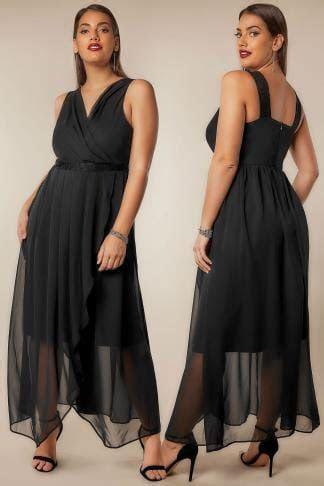 AX PARIS CURVE Navy Maxi Dress With Lace Overlay Bodice