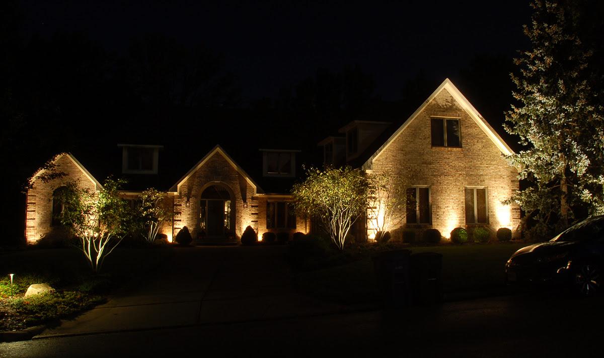 Landscape Lighting quot;Wow!quot; Effect — Wolf Creek Company