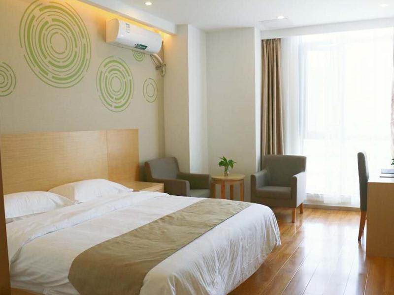 Review GreenTree Inn Shanghai Fengxian District Nanqiaoxincheng Metro Station Express Hotel
