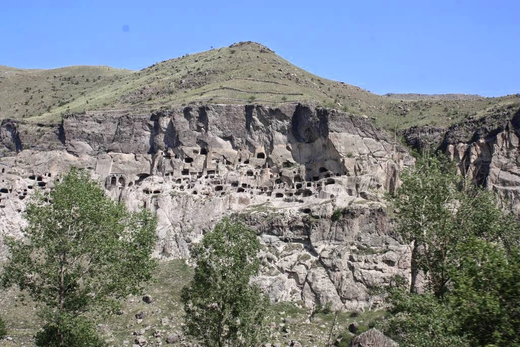 Вардзия - пещерный город царицы Тамары