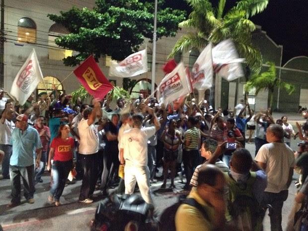 Rodoviários comemoram resultado com aumento de 10% nos salários (Foto: Vitor Tavares/G1)