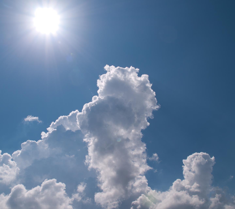 真夏の入道雲 スマートフォン無料壁紙 1440 1280 Android向け