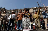 Pobladores de Atenco protestan en la ciudad de México. Foto: Benjamin Flores