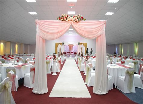 Walkways and Pedestals Hire   Classic Event Decorations