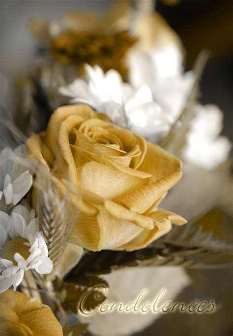 Condolences Flowers   Free Loss Of Loved One Card