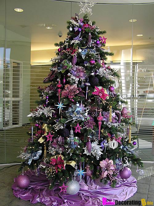 15 Creative & Beautiful Christmas Tree Decorating Ideas