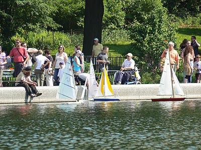bassin aux bateaux CP.jpg
