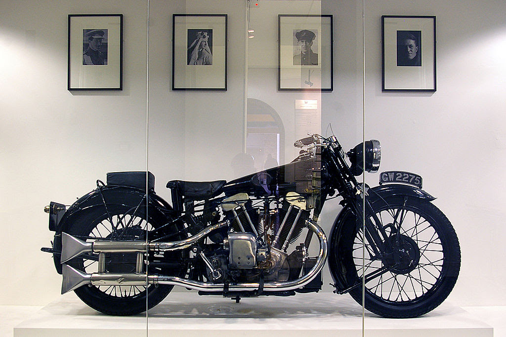 http://upload.wikimedia.org/wikipedia/commons/thumb/2/21/Brough_Superior_of_T.E._Lawrence.jpg/1024px-Brough_Superior_of_T.E._Lawrence.jpg