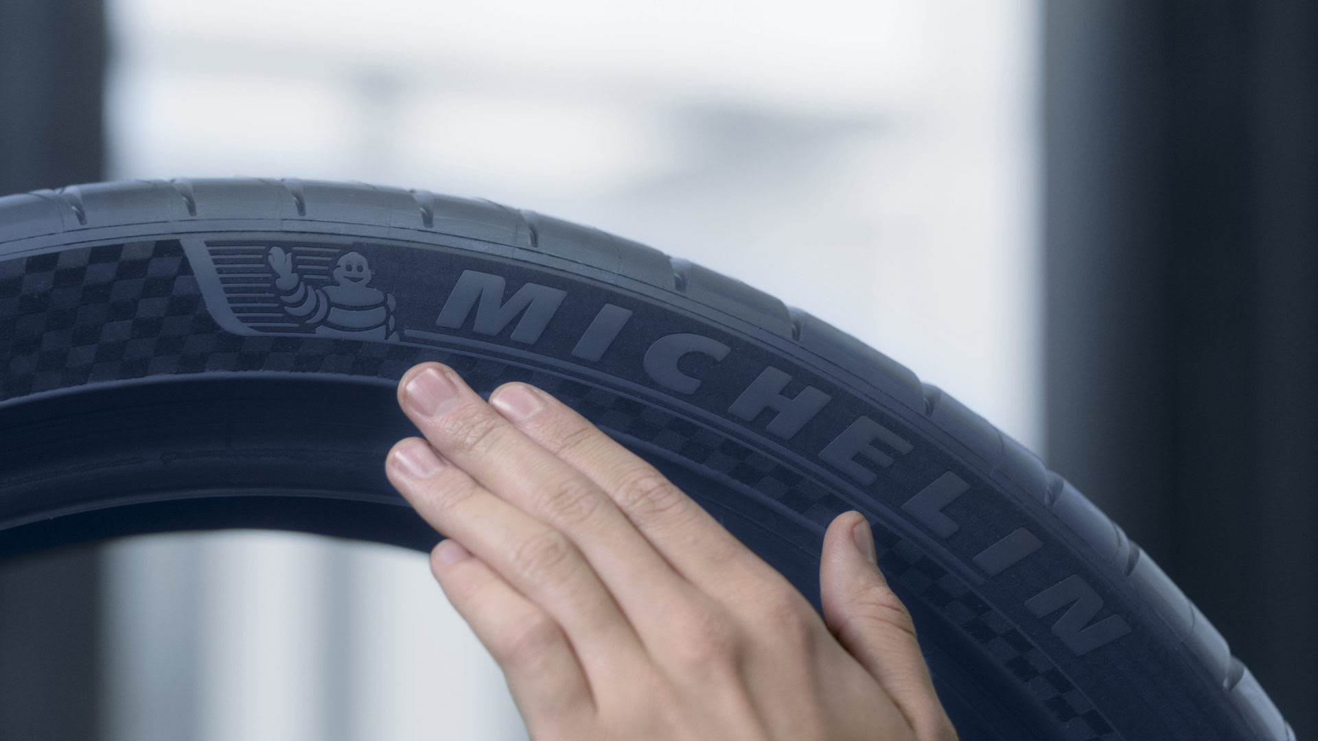 Michelin Premium Touch Offers New Design Look For Pilot Sport 4 S