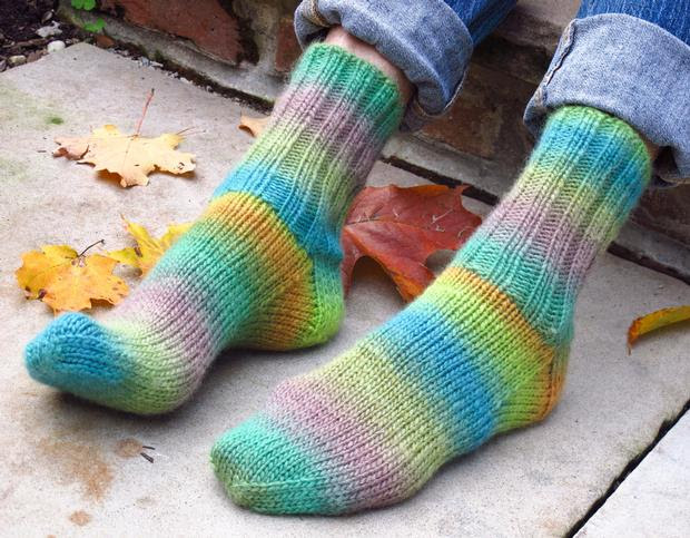 Cushy Chroma Socks - Knitting Pattern
