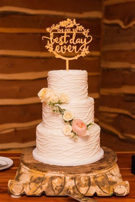 Austin Texas Ranch Wedding   Rustic Wedding Cakes