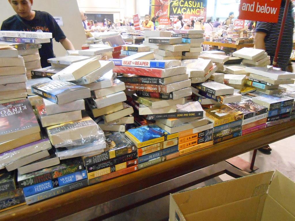 Warehouse sale books3
