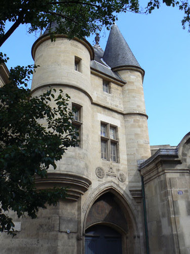 rue des archives.jpg