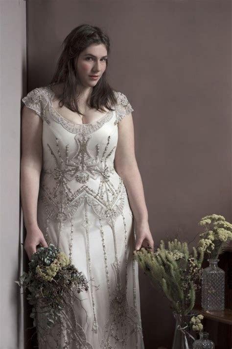 Best 25  Curvy bride ideas on Pinterest   Plus size brides