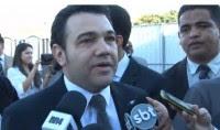 """Marco Feliciano é retratado como """"o poder evangélico que assusta o Brasil"""" por agência de notícias; Pastor analisa: """"Ativistas gays me fizeram herói da família"""""""