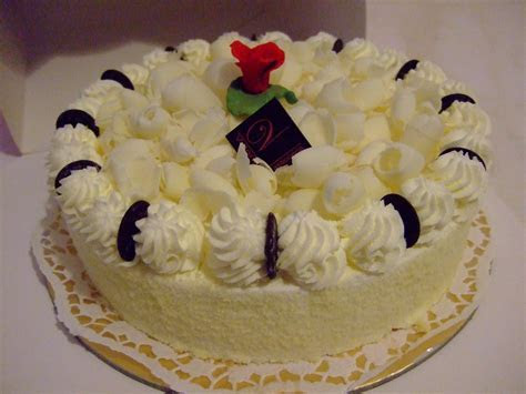 Wedding Cakes: White Chocolate Cake Recipe   White