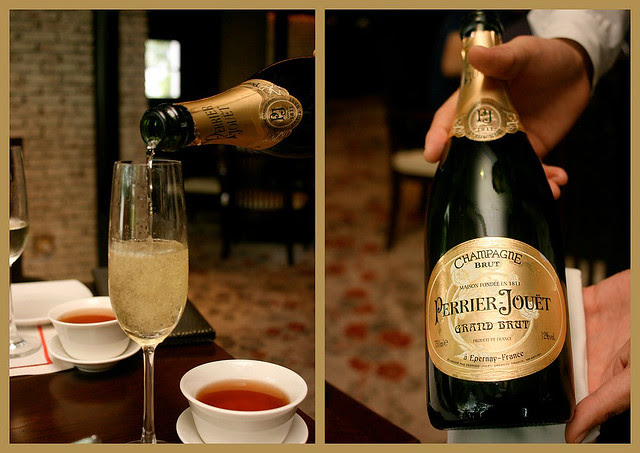 Chilled champagne goes very well with dim sum indeed!
