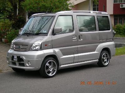 http://www.carsplusplus.com/pictures/2005/42460/photo.jpg