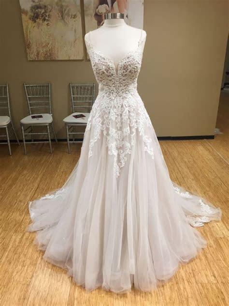 Essense of Australia D2363 Preloved Wedding Dress on Sale