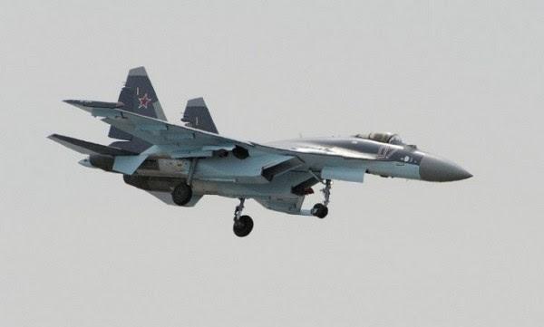 Demostración de Su-35S durante el Salón Aeronáutico de París 2013. (Foto: AFP)