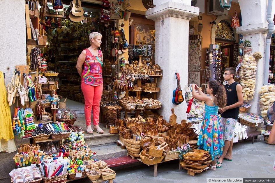 Сувенирный магазин в Керкире, о. Корфу, Греция