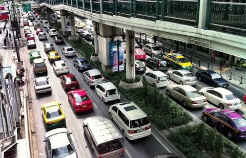 ô-tô, giá-rẻ, giấc-mơ, Việt-Nam, Thái-Lan, Indonesia, chính-sách, thuế, phí công-nghiệp, giao-thông, tiêu-dùng, sản-xuất, ASEAN