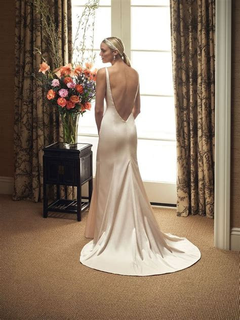 1000  images about Low Back Gowns on Pinterest   Lace