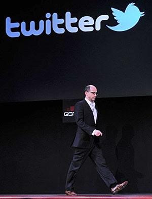 Costolo, presidente do Twitter, durante palestra em Barcelona (Foto: AFP)